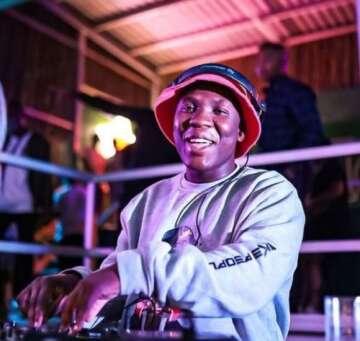 Busta 929 - Ngixolele (feat.  Boohle)