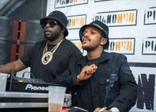 DJ Maphorisa & Kabza De Small - Uzoz' Azo Ngibona (feat.  Boohle)