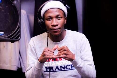 Kelvin Momo & MDU aka TRP - 3 Topics (feat.  Semi Tee)