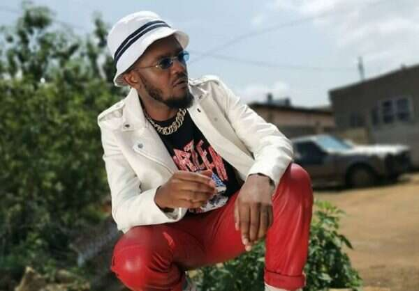 Kwesta returns to performing in clubs