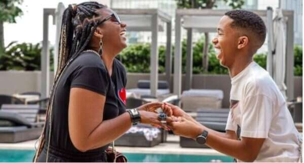 Shauwn Mkhize bumps into Lasizwe, congratulates him on his new bae