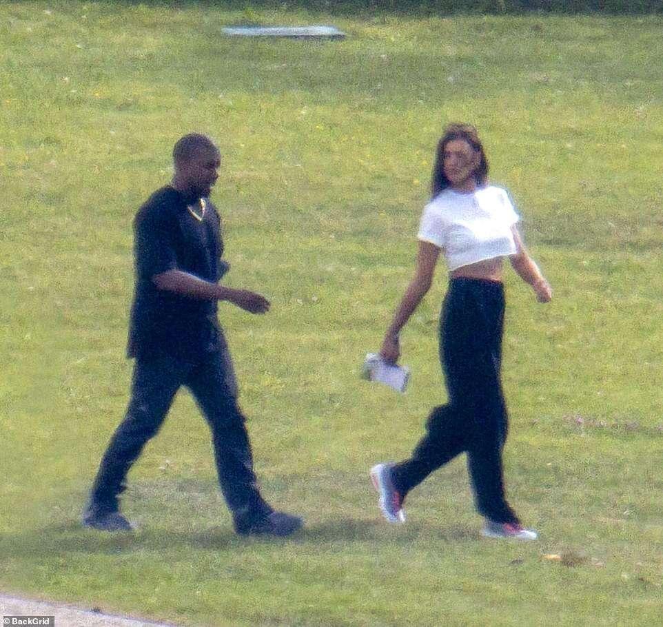 Kanye West and Irina Shayk are dating (Photos)