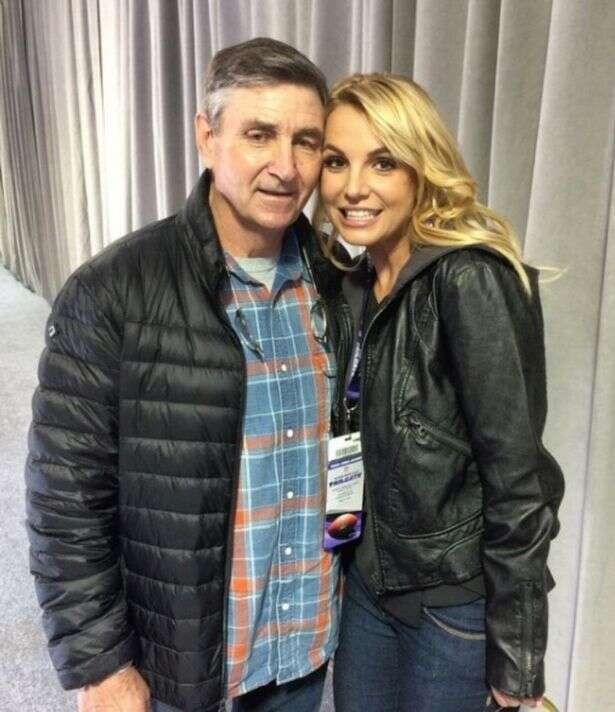 Britney Spears' father threatens the star's assistant
