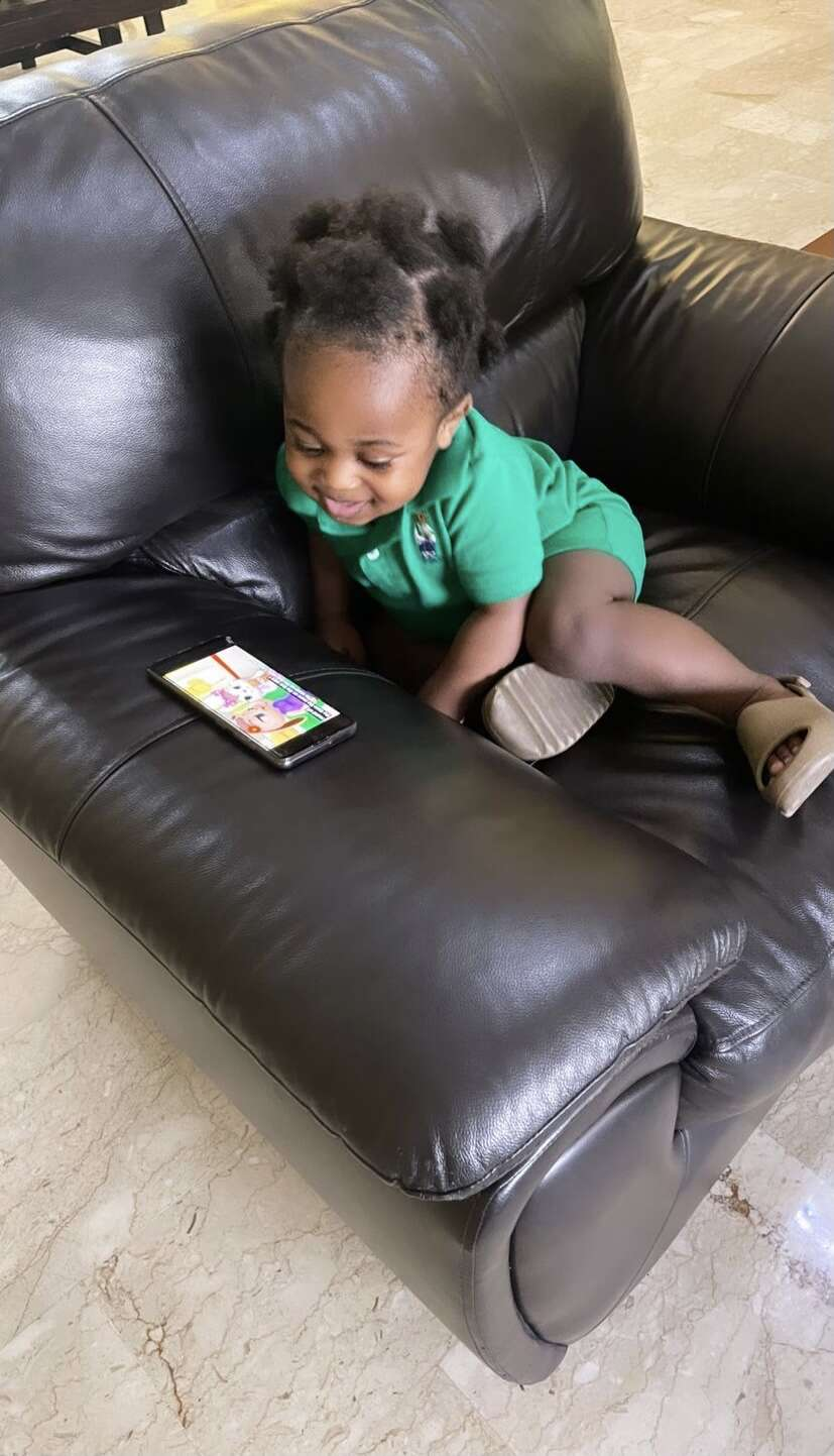 Daddy Duty: Davido plays with son, Ifeanyi (Video)