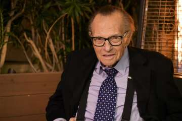 CNN's Larry King passes away at 87 from COVID-19 complications